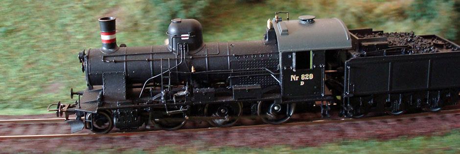 DSC D 820 i høj fart på et modul