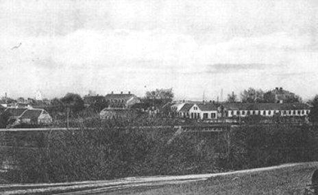Jernbanebroen over Sæby å - set fra kurhotellet med jernstøberiet i baggrunden