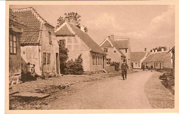 Algade mellem kirken og Søndergade